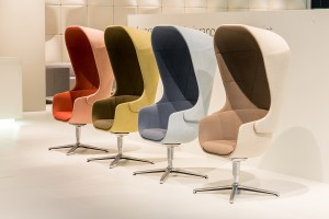 """Niesamowite krzesła biurowe - trendy z targów """"Orgatec"""""""