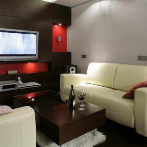 To nie salon, a właściwie pokój telewizyjny. Projekt: Marcin Konopka. Fot. Bartosz Jarosz