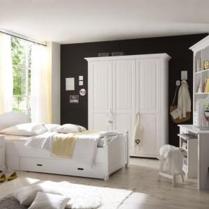 Pokój nastolatki lub małej dziewczynki urządzony meblami z kolekcji Cinderella Premium. Fot. Bydgoskie Meble