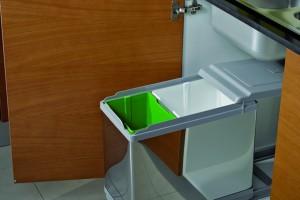 Sortowanie śmieci w szafce - najprostsza opcja