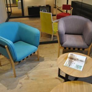 Fotele z rodziny siedzisk Merano marki TON, zaprezentowane podczas ŁDF Fot. Piotr Sawczuk