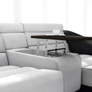 Pod blatem stolika, w podłokietniku można zostawić wolną przestrzeń na schowek. Fot. Stalmot & Wolmet