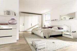 Biel w sypialni - 15 inspirujących pomysłów