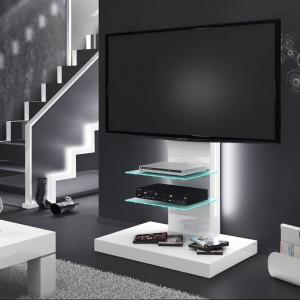 Stolik RTV Marino to nowoczesne rozwiązanie do salonu multimedialnego. Fot. Hubertus