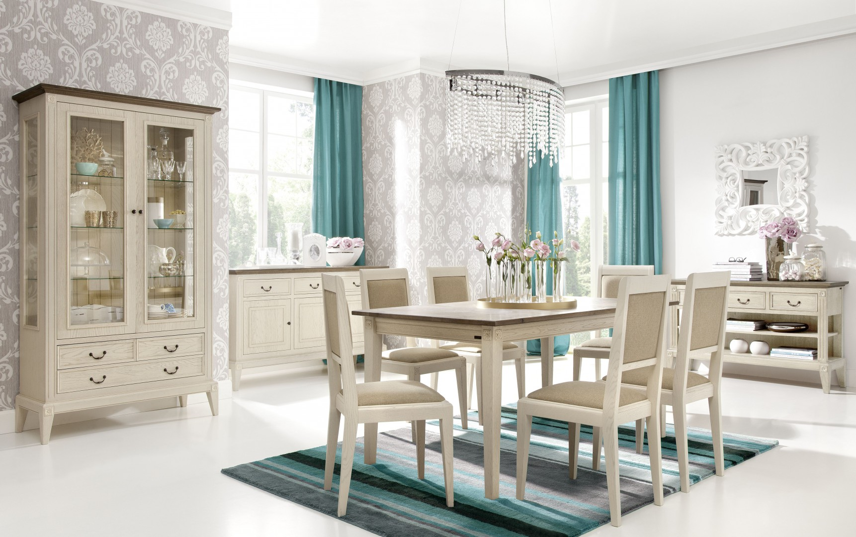 38103f33f3 Jadalnia Rosa to klasyka na najwyższym poziomie. Stół idealnie komponuje  się z tapicerowanymi krzesłami.