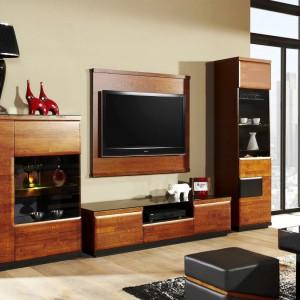 Kompozycja z telewizorem w systemie Verano. Fot. Mebin