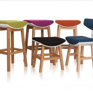 Hokery i krzesła z kolekcji