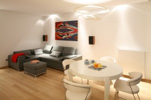 Aranżacja salonu. 10 pomysłów na jasne, ciepłe wnętrze