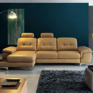Move to mebel dla ludzi lubiących wygodny wypoczynek. Ponadto bardzo elegancko prezentuje się ustawiony na środku salonu. Fot. Gala Collezione