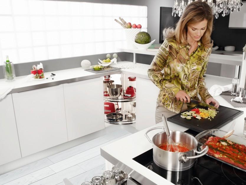 Urządzamy  Funkcjonalna kuchnia 10 pomysłów na sprzęty w szafkach  meble c  -> Kuchnia Funkcjonalna Na Saskiej Kepie