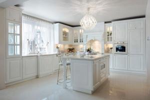 Kuchnia w klasycznym stylu. Zobacz najpiękniejsze projekty