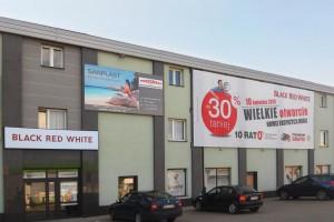 W Nisku powstał salon Black Red White