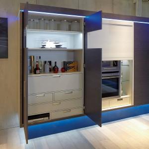 Oświetlenie meblowe w kuchni zamykanej. Fot. Hafele