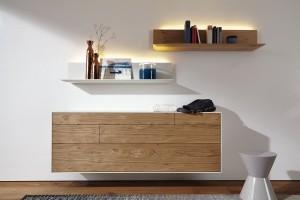 Meble do powieszenia na ścianie - więcej przestrzeni w salonie