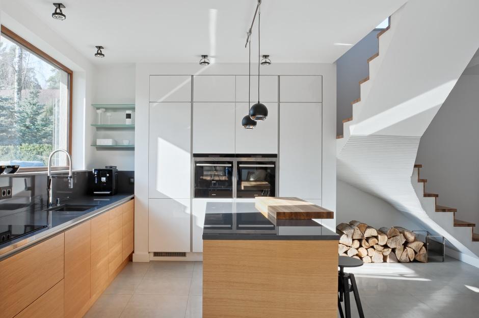 Urządzamy  Nowoczesna kuchnia Zobacz aranżacje z wysoką zabudową  meble co   -> Urządzamy Mieszkanie Kuchnia