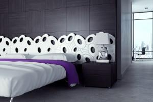 Łóżko z nietypowym wezgłowiem - ciekawe pomysły