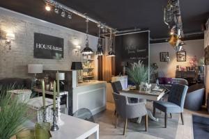 Dwa nowe sklepy firmowe w Warszawie