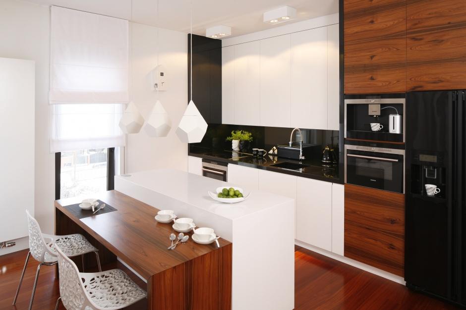 Urządzamy  Biała kuchnia ocieplona drewnem 20 pięknych wnętrz  meble com pl -> Urządzamy Mieszkanie Kuchnia