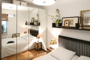 Meble w sypialni. Oryginalne szafy z lustrem