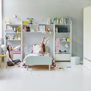 Dobierając meble do pokoju dziecięcego, warto zwrócić uwagę na ich kolorystykę. Fot. Flexa