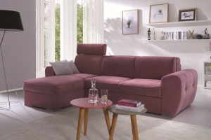 Sofa w salonie. Postaw na najmodniejszy fiolet