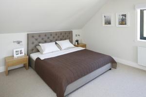 Nowoczesna sypialnia. Świetne inspiracje na modne wnętrze