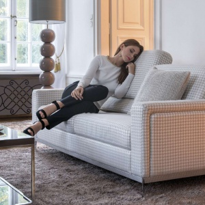 Zestaw Can Can  tworzą fotel, kanapy 2- i 3-osobowe i podnóżek. Fot. Kler