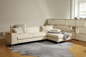 Modna sofa. Piękne propozycje w bieli