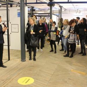 Swój krótki wykład na stoisku marki Interprint wygłosił znakomity polski designer, Oskar Zięta. Fot. Piotr Sawczuk