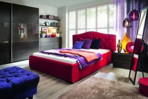 Modna sypialnia. Trzy style, do których dobieramy dodatki
