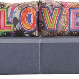 Sofa Play Love dedykowana jest małym salonom. Świetnie sprawdzi się także w pokoju młodzieżowym. Fot. Libro