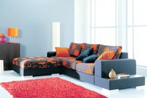 10 świetnych pomysłów na kolorową sofę