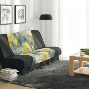 Sofa Hop posiada pojemnik na pościel. Można ją rozkładać, dzięki czemu to świetne miejsce do okazjonalnego spania. Fot. BRW