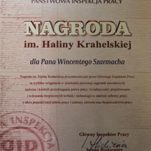 Wśród wyróżnionych tegoroczną Nagrodą im. Haliny Krahelskiej znalazł się między innymi Wincenty Szarmach, wieloletni pracownik firmy Szynaka Meble. Fot. Szynaka Meble