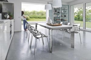 Modny stół. 5 modeli na pięknych nogach