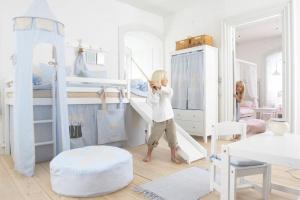 Łóżka dla dzieci. Śliczne modele na antresoli