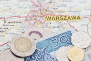 Ile zarabiają pracownicy w polskiej branży meblarskiej?