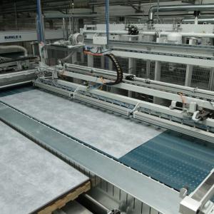 Linia produkcyjna Pfleiderer w Wieruszowie. Fot. Pfleiderer