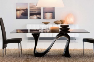 5  pomysłów na stół z nietypowymi nogami