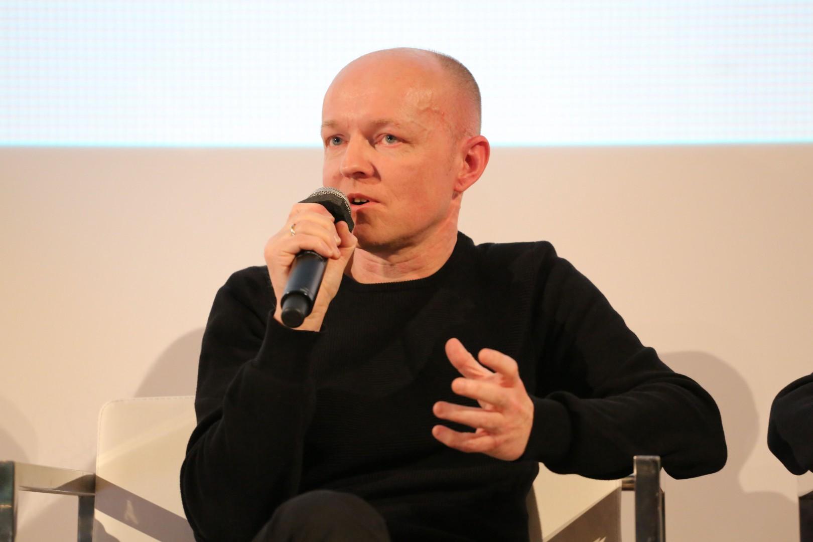 Tomasz Augustyniak, projektant i architekt wnętrz. Fot. Bartosz Jarosz