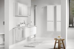 Białe meble do łazienki. Tak urządzisz małe wnętrze