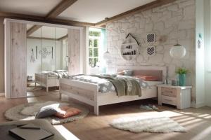 Meble w sypialni. Modne kolekcje z rysunkiem drewna