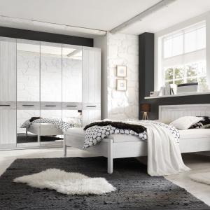 Sypialnia Provence zainspirowane stylistyką słonecznej Prowansji. Fot. Helvetia Wieruszów