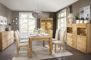 Jadalnia w kolorach jasnego drewna - zobacz propozycje producentów