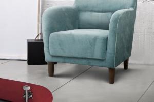 Fotel tapicerowany w klasycznym stylu