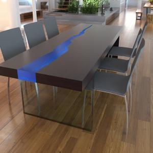 Stół Kasparo jesion niebieski łączony z błękitnym prześwitem. Fot. Kasparo