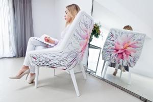 Fotele ręcznie malowane. Poznaj nową markę