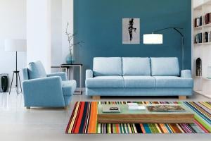 Sofa w salonie. Śliczne propozycje w modnych pastelach