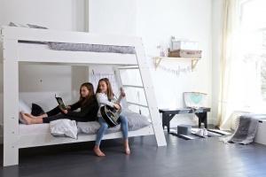 Mały pokój nastolatka. Jak go wygodnie urządzić?