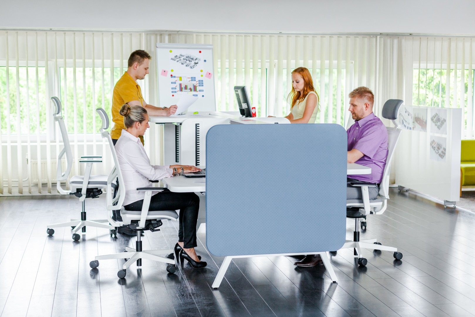 System Stand Up firmy Mikomax Smart Office. Fot. Mikomax Smart Office